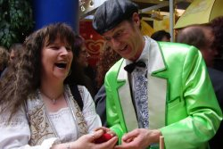 The magician from Cologne inspires with entertaining magic art